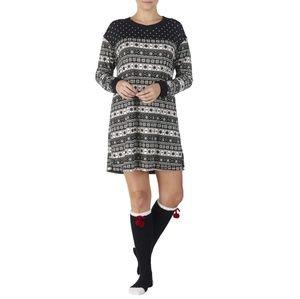 Other - Cozy Sleep Shirt and Socks 2pc Set Plus Size